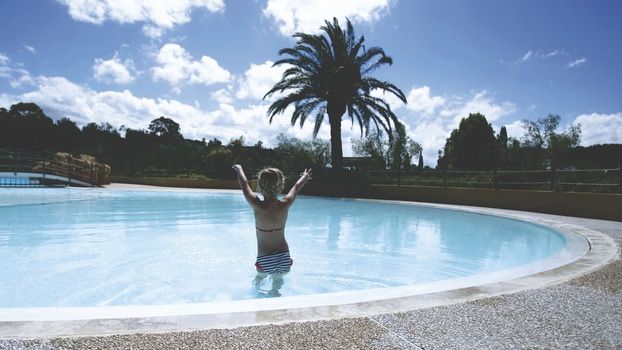Allergic To Chlorine Get A Saltwater Pool And Take A Dip Whenever You Want Salt Water Pool